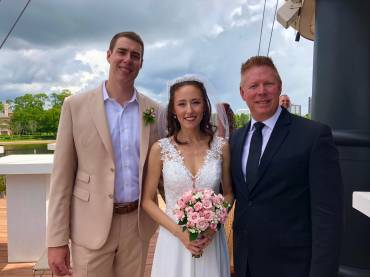 Stephen and Saaya married at Disney Springs